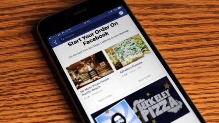 У Facebook тепер можна замовляти їжу