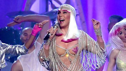 71-річна співачка здивувала шанувальників відвертим сценічним образом: фото