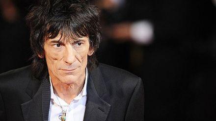 Гітариста групи The Rolling Stones терміново прооперували