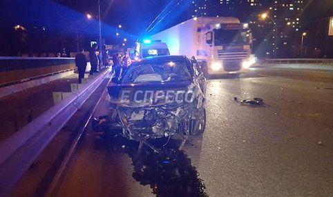 Масштабная авария в Киеве: столкнулись сразу три автомобиля