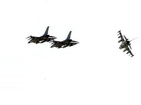 НАТО продовжить бомбардування в Лівії