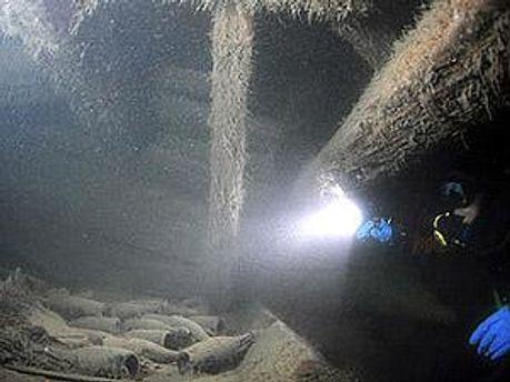 Шампанское провело под водой 200 лет