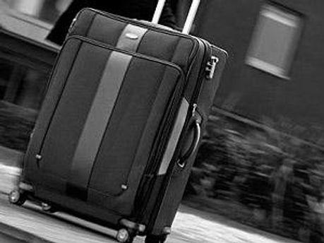 Крадій ховався у валізі