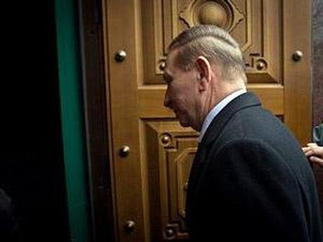 Защита Кучмы снова жалуется на следователей ГПУ