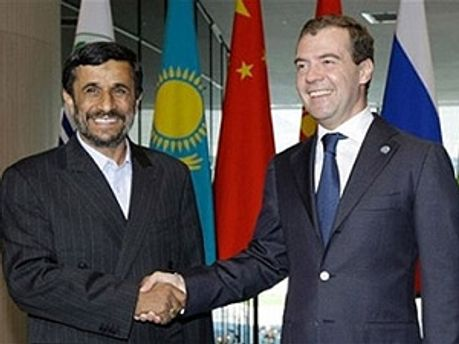 Махмуд Ахмадинежад и Дмитрий Медведев