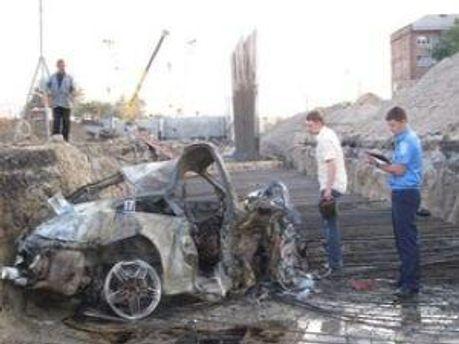 Автівка згоріла до тла