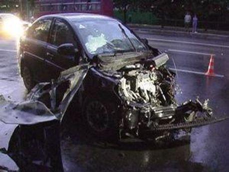 Водій автівки загинув на місці пригоди