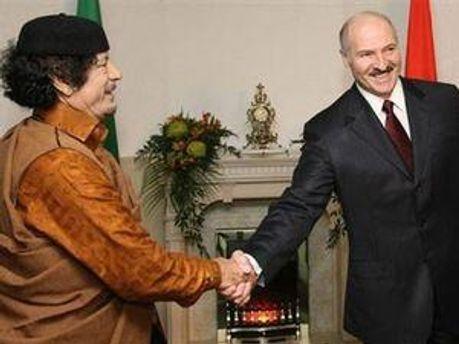 Муамар Каддафи и Александр Лукашенко