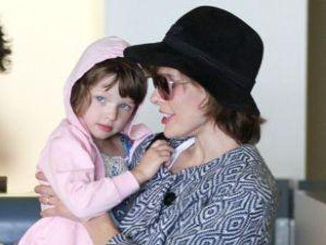 Міла Йовович із дочкою-красунею