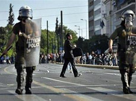У Греції відновили сутички