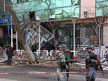 Внаслідок нападу бойовиків загинула 21 людина