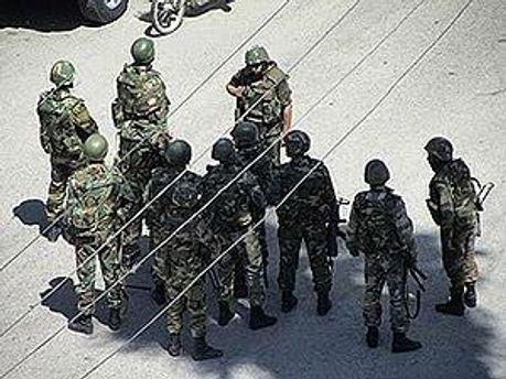 Солдаты убили как минимум 11 человек
