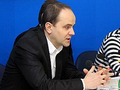 Представник ex.ua Юріс Пісковий