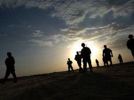 Во время стрельбы погибли 2 офицеров армии США