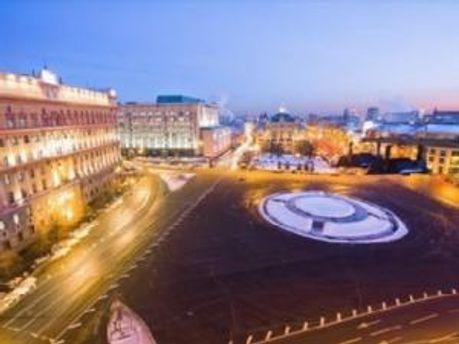 Лубянская площадь ограждена полицией
