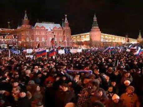 На мітингу зібрались прихильинки Путіна