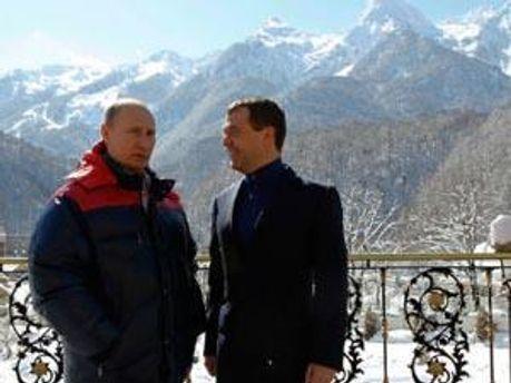 Президент РФ Дмитрий Медведев и премьер-министр Владимир Путин