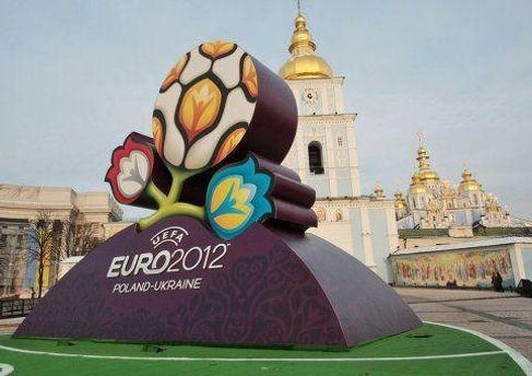 Фолєвський прогнозує проблеми з розміщення вболівальників в Україні