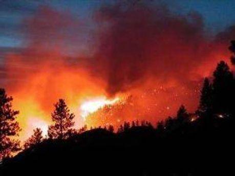 Пожары не могут потушить из-за ветра
