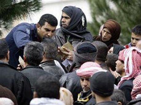 Ежедневно Сирию покидают сотни беженцев
