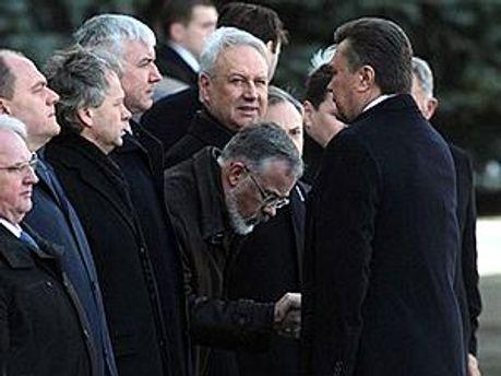 Особлива шана Табачника. Фото — Gazeta.ua