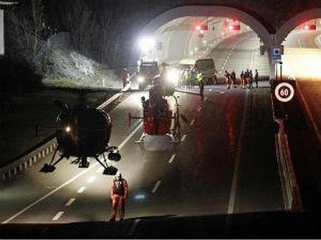 Аварія відбулась в тунелі