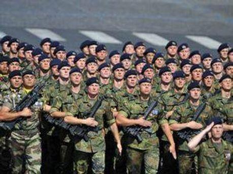 У Франції на вулиці солдати ходитимуть у цивільному