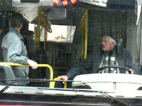 Водії львівських маршруток слухатимуть музику вибірково
