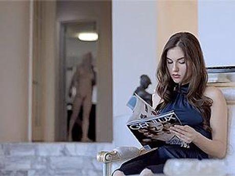 Саша Грей. Кадр из видео.