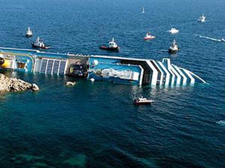 Затонувшее судно Costa Concordia