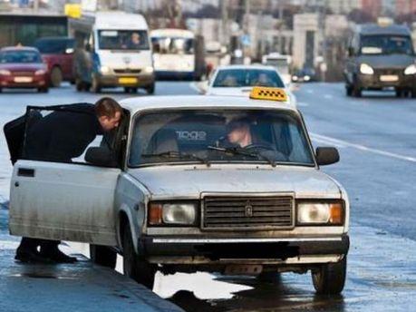 У таксистов без лицензии будут забирать автомобиль