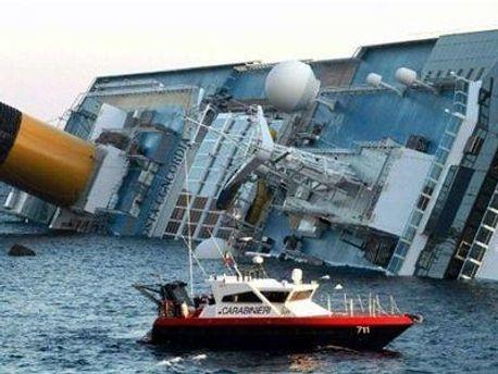 Ще двох пасажирів затонулого лайнера вважають зниклими безвісти