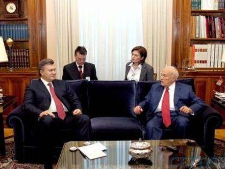 Віктор Янукович та Каролос Папуліас