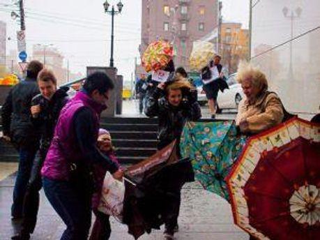 Весна в Украину пришла с сильным ветром