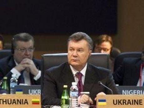 Виктор Янукович на саммите в Сеуле