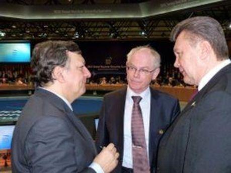 Янукович на саммите в Сеуле