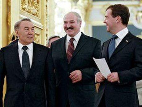 Президенты стран-участниц Таможенного союза: Нурсултан Назарбаев, Александр Лукашенко, Дмитрий Медведев