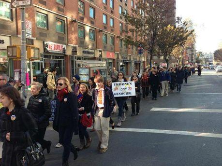 У Нью-Йорку відбувся марш вшанування пам'яті жертв Голодомору (Фото)
