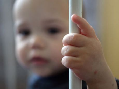 Детей больных ВИЧ лишили помощи