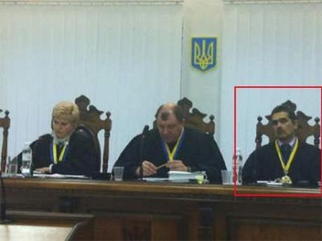 Судьи на заседании по делу Луценко