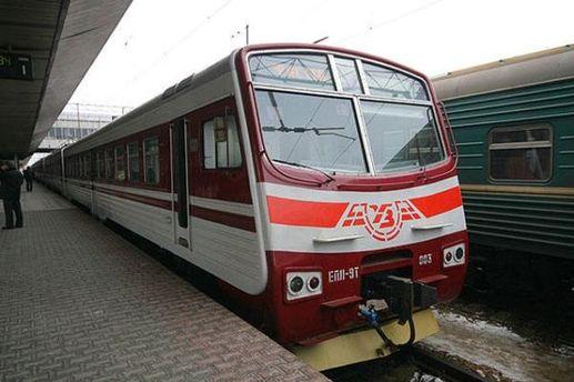 Потяг приміського сполучення