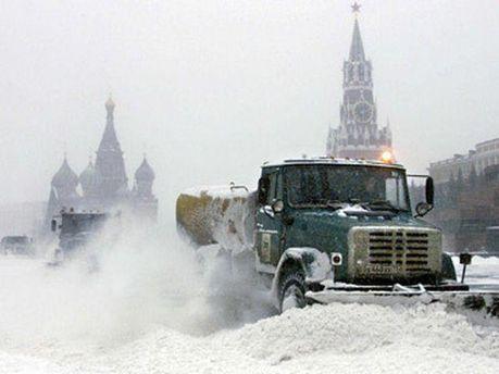 Москву заснежило