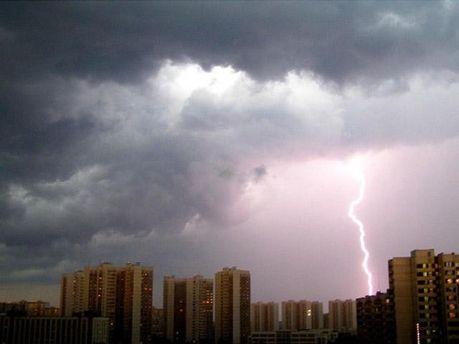 В Киеве прогнозируют грозы