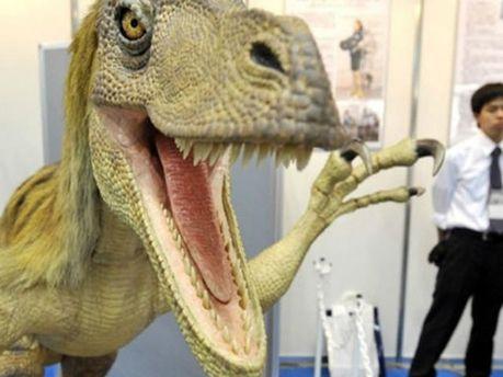 Динозавр у музеї