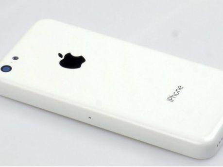 В сети появились первые фото бюджетных iPhone