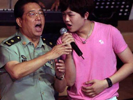 Ли Шуанцзян с сыном