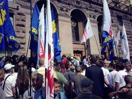 Депутатов и журналистов не пускают в Киевсовет