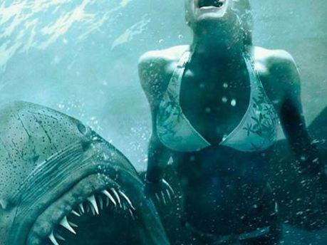 Акула напала на дівчину