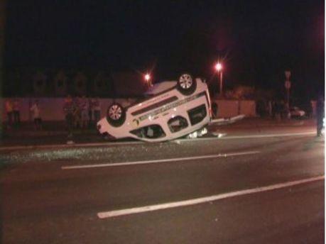 У столиці дві дівчини на Lexus перекинули Citroen і втекли з місця аварії