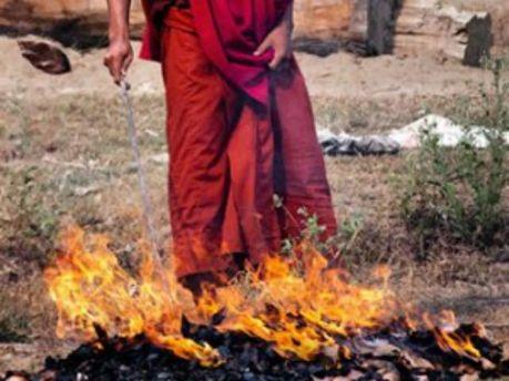 Тибетский монах поджег себя